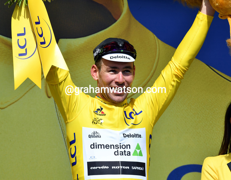 Mark Cavendish wins stage 1 of the 2016 Tour de France