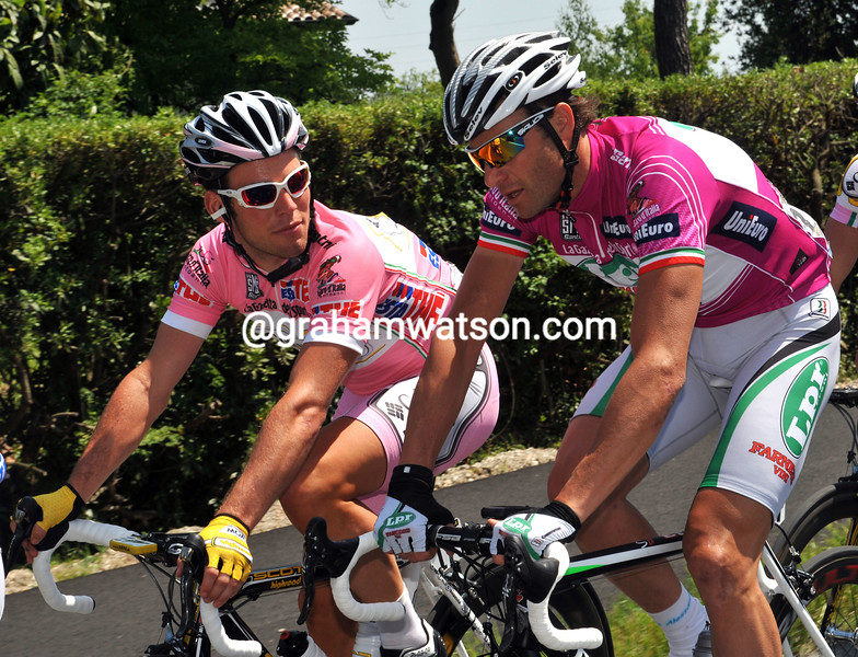 ALESSANDRO PETACCHI AND MARK CAVENDISH ON STAGE THREE OF THE 2009 GIRO D'ITALIA