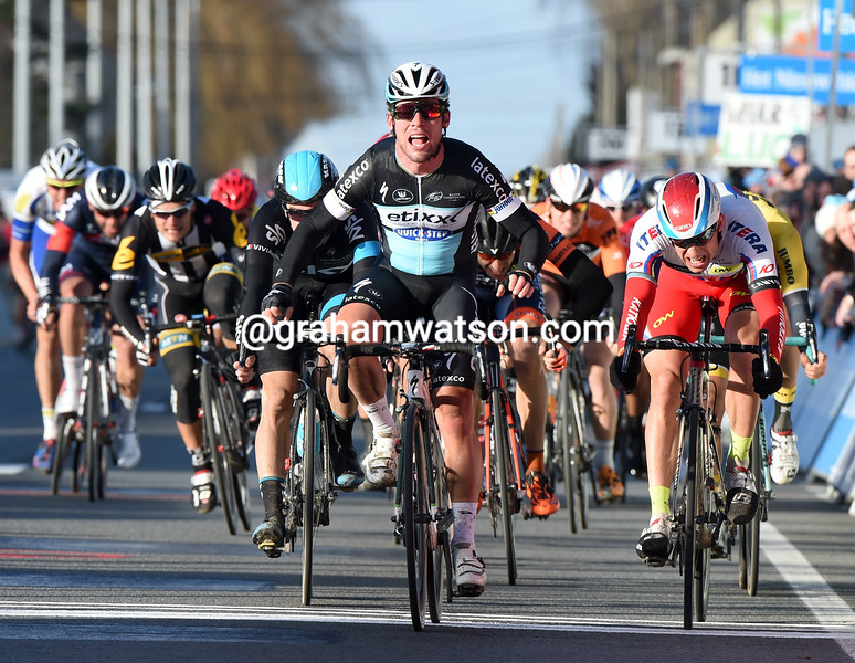 Mark Cavendish wins the 2015 Kuurne-Brussels-Kuurne