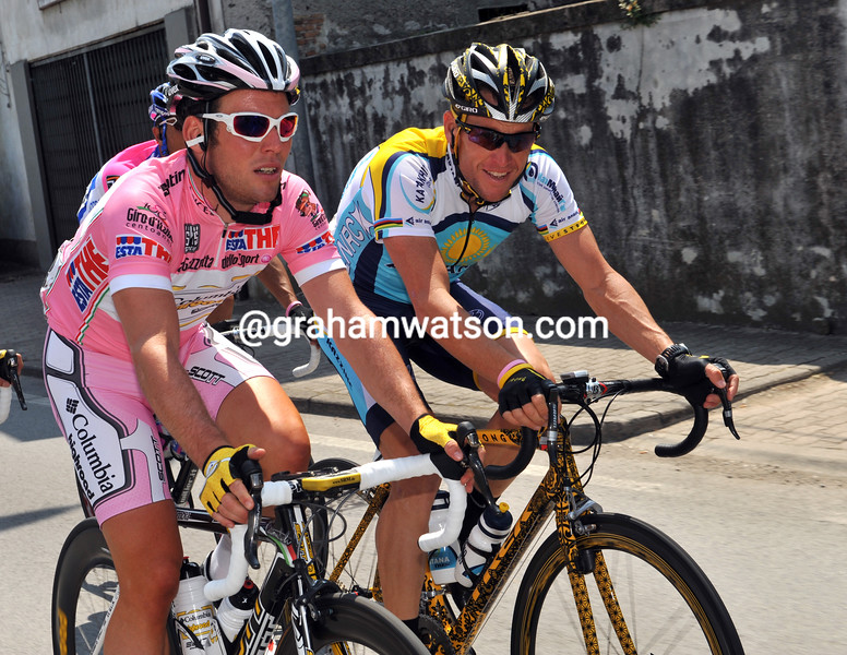 LANCE ARMSTRONG AND MARK CAVENDISH ON STAGE THREE OF THE 2009 GIRO D'ITALIA