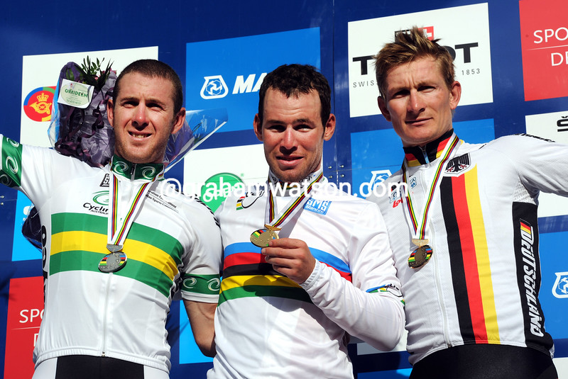 MARK CAVENDISH WINS THE 2011 WORLD ROAD CHAMPIONSHIP FROM ANDRE GREIPEL AND MATT GOSS