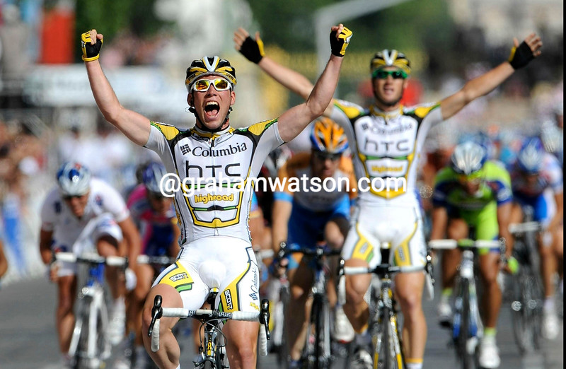 MARK CAVENDISH WINS STAGE TWENTY ONE OF THE 2009 TOUR DE FRANCE