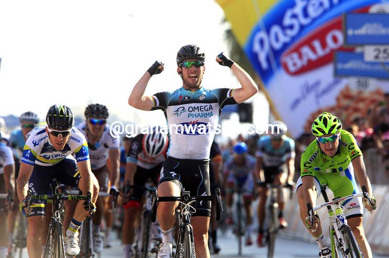 Mark Cavendish wins stage six at the 2013 Giro d'Italia