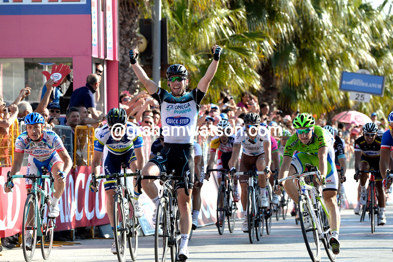 Mark Cavendish wins a stage of the 2013 Giro d'Italia