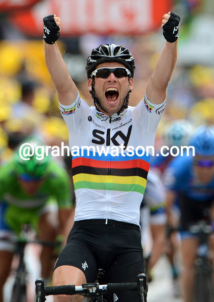 Mark Cavendish wins stage eighteen of the 2012 Tour de France