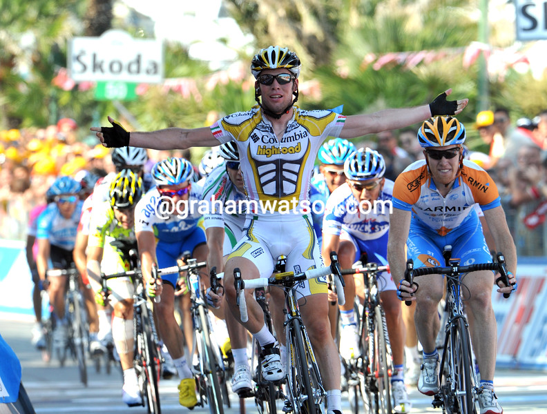 MARK CAVENDISH WINS STAGE ELEVEN OF THE 2009 GIRO D'ITALIA