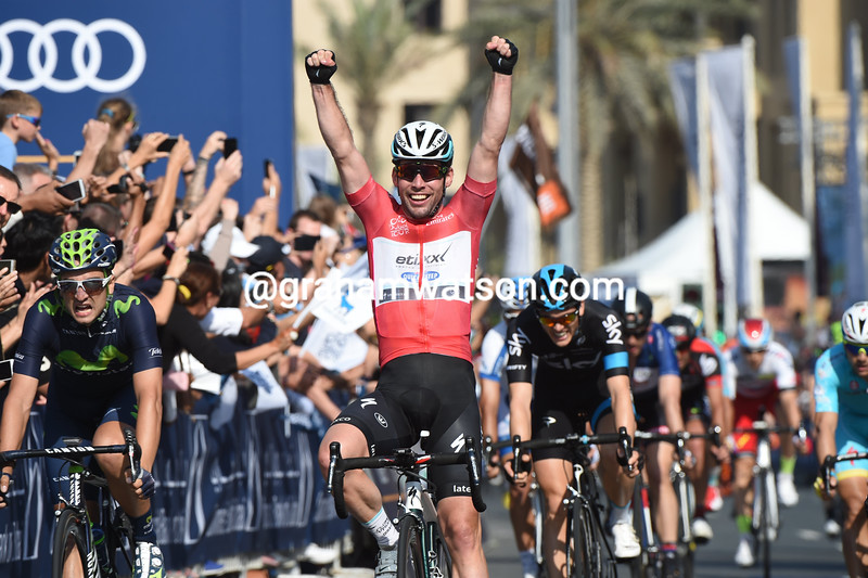 Mark Cavendish wins stage four of the 2015 Dubai Tour