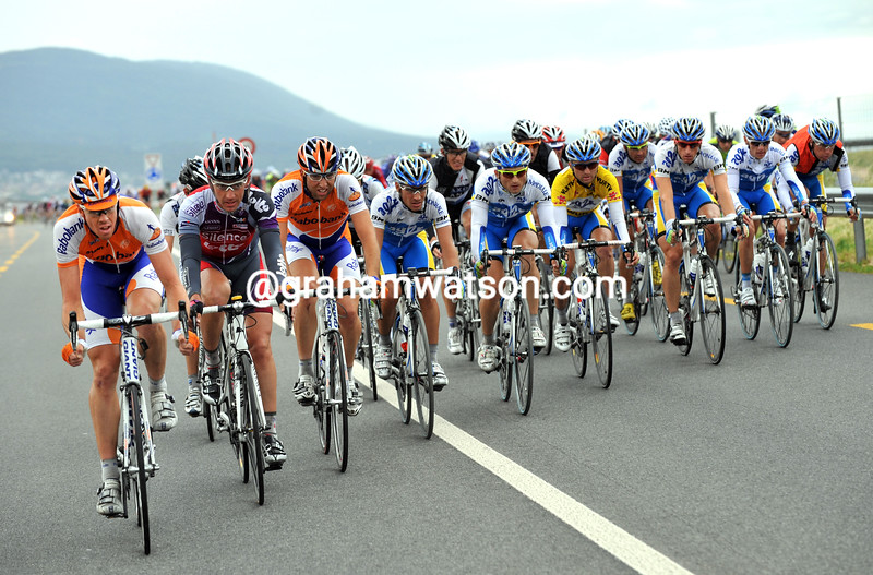 MATTHEW HAYMAN LEADS THE CHASE ON STAGE SEVEN OF THE 2009 TOUR OF SWITZERLAND