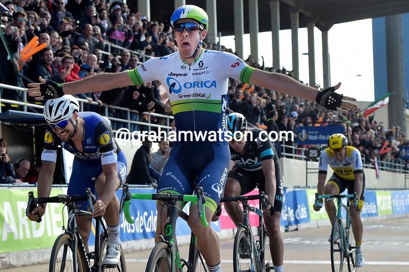 Matthew Hayman wins the 2016 Paris-Roubaix