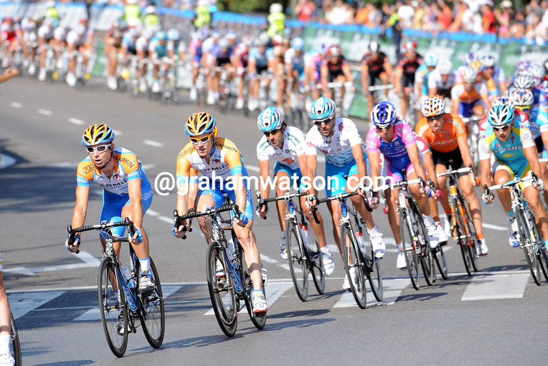 MATTHEW WILSON LEADS THE CHASE ON STAGE TWENTY ONE OF THE TOUR OF SPAIN