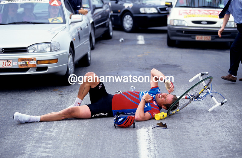 Max Sciandri has crashed in the 1993 Ghent-Wevelgem