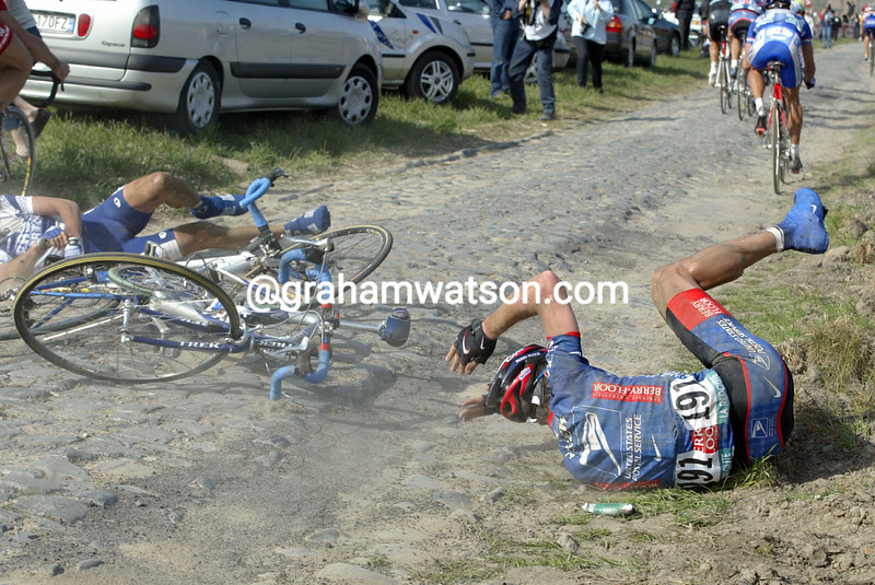 Max Van Heeswijk crashes in the 2003 Paris-Roubaix