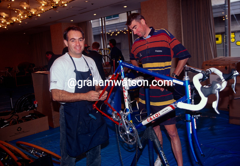 Sean Yates with Geoff Brown before his last-ever race in the 1996 Japan Classic
