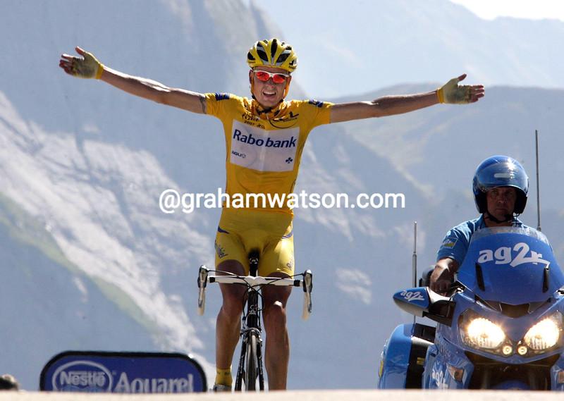 MICHAEL RASMUSSEN WINS STAGE SIXTEEN OF THE 2007 TOUR DE FRANCE