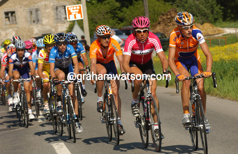 MICHAEL RASMUSSEN LEADS JAN ULLRICH ON STAGE FOUR OF THE 2006 TOUR OF SWITZERLAND