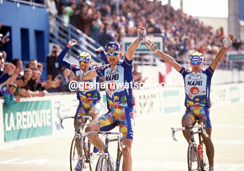 Johan Museeuw wins the 1996 Paris-Roubaix