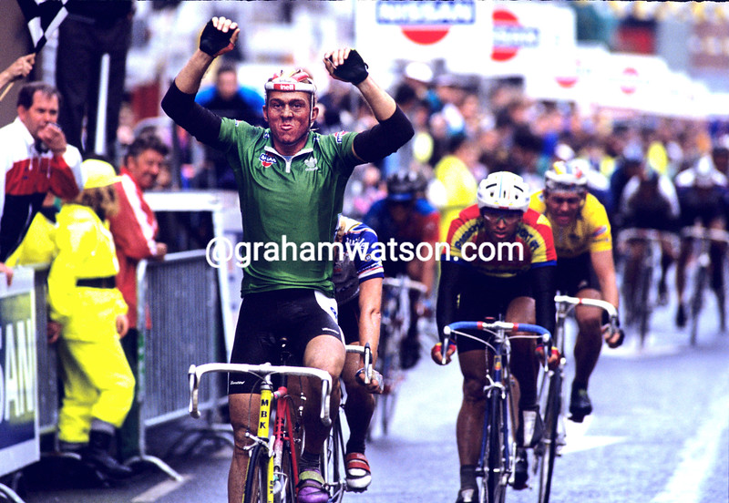 JOHAN MUSEEUW WINS A STAGE OF THE 1989 NISSAN INTERNATIONAL CLASSIC