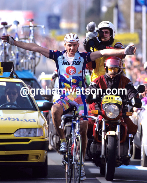 JOHAN MUSEEUW WINS THE 1998 TOUR OF FLANDERS