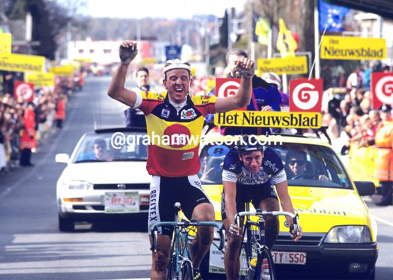 Johan Museeuw wins the 1993 Tour of Flanders