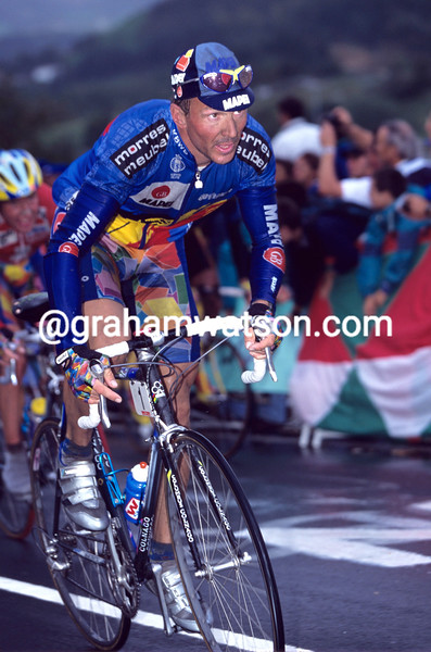 JOHAN MUSEEUW IN THE 2000 WORLD CHAMPIONSHIPS