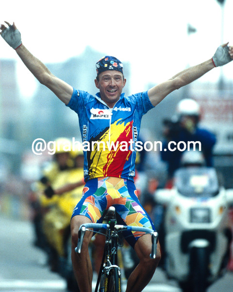 Johan Museeuw wins the 1996 World Championship