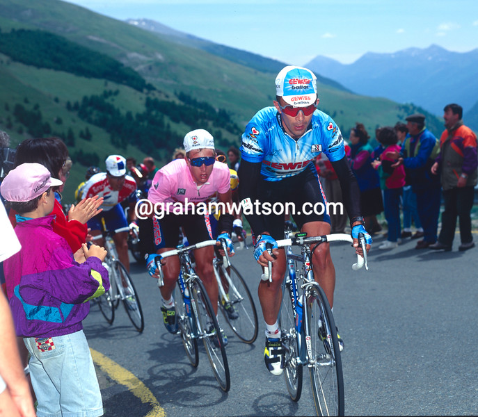 Moreno Argentin leads Berzin in the 1994 Giro d'Italia
