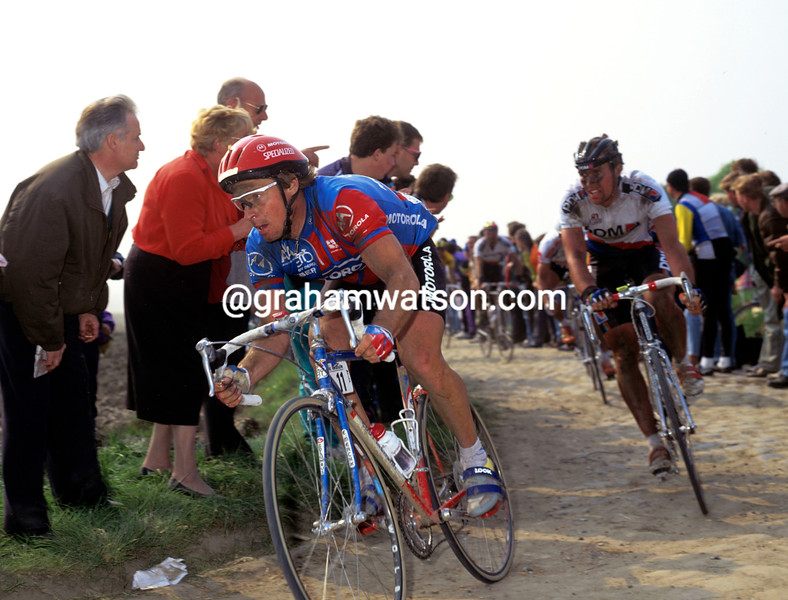 Steve Bauer in the 1990 Paris-Roubaix
