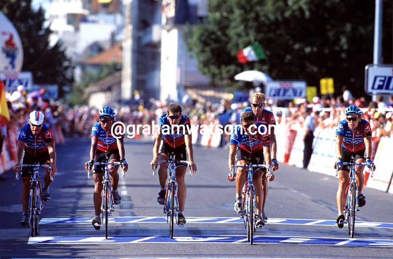 The Motorola team mourns during a stage of the 1995 Tour de France