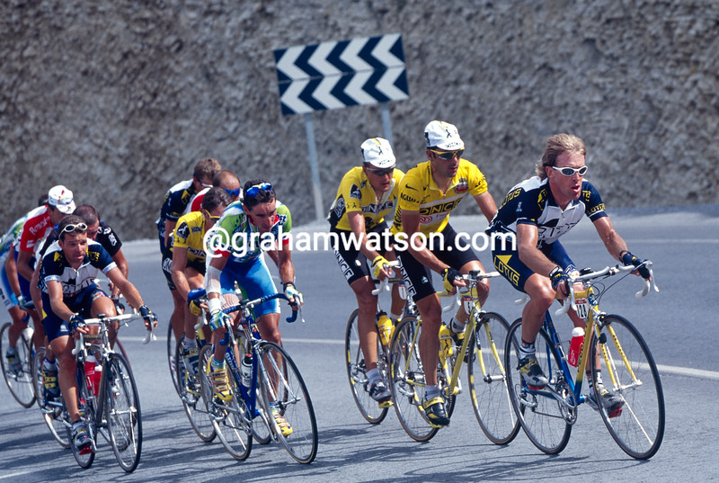 Neil Stephens leads Laurent Jalabert in the 1997 Tour of Spain