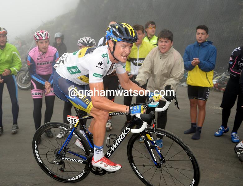 Nicholas Roche climbs El Angliru in the 2013 Tour of Spain