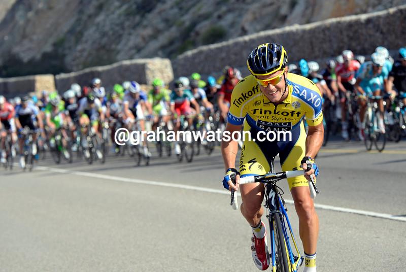 Nicholas Roche attacks in the 2014 Tour of Oman