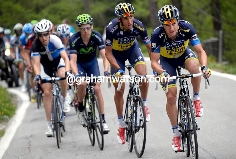 Nicholas Roche chases in the 2013 Tour de Suisse