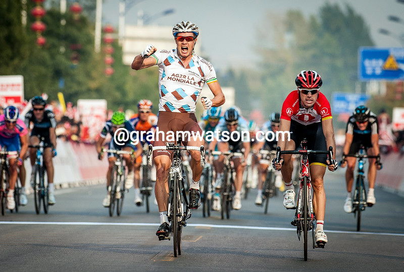 Nicholas Roche wins stage 3 of the 2011 Tour of Beijing