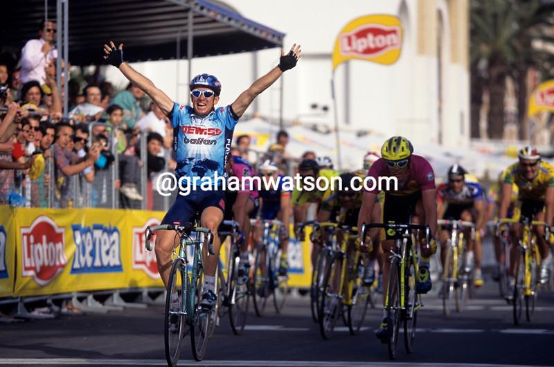 Nicola Minali wins a stage of the 1997 Giro d'Italia