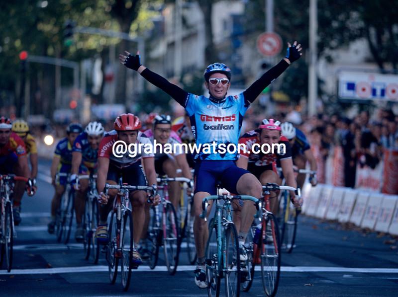 Nicola Minali wins the 1996 Paris-Tours