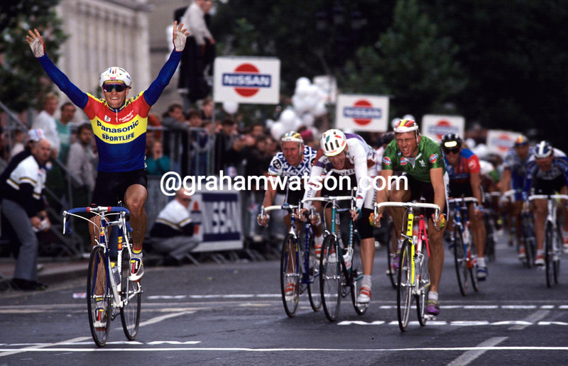 OLAF LUDWIG WINS A STAGE OF THE 1990 TOUR OF IRELAND
