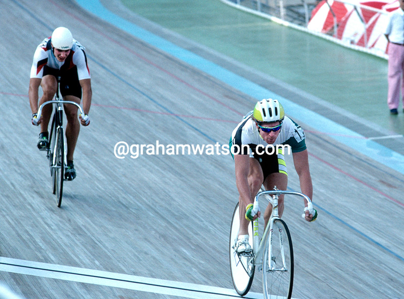 Gary Neiwand and Jens Fiedler race off in the sprint final in the 1992 Olympic Games
