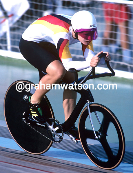Petra Rossner wins the pursuit Gold at the 1992 Olympic Games