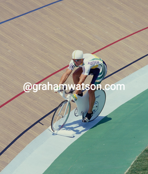 Shane Kelly after a mechanical mishap in the 1-Kilo TT in the 1996 Olympic Games