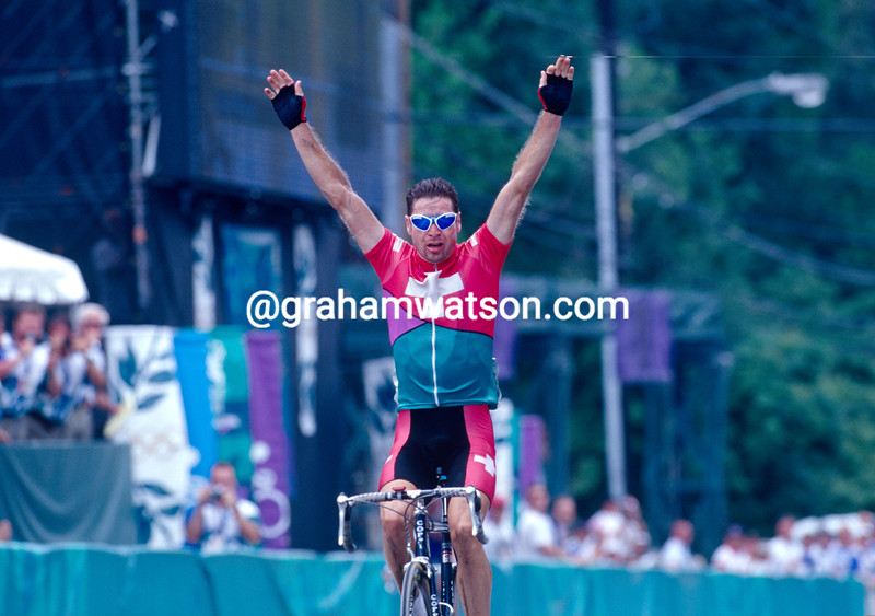 Pascal Richard wins the  Gold medal in the 1996 Olympic Games Road Race
