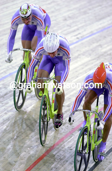 France wins Gold in the team sprint in the 2000 Olympic Games