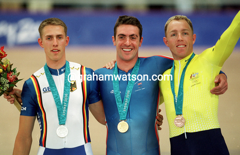 Jason Queally wins Gold in the 1-Kilometre TT in the 2000 Olympic Games team sprint from Stefan Nimke and Shane Kelly
