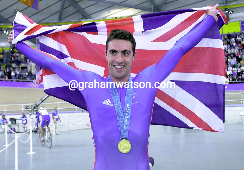 Jason Queally wins Gold in the 1-Kilometre TT in the 2000 Olympic Games