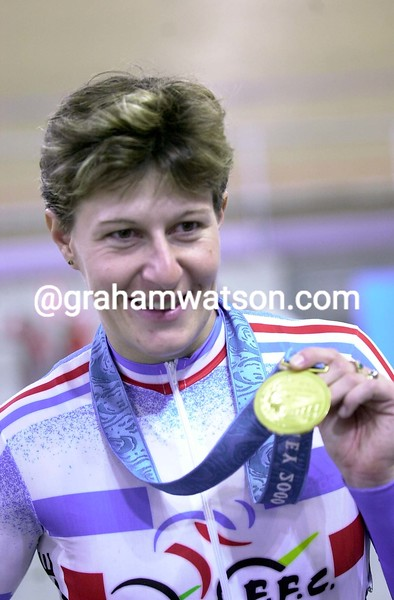Felicia Ballanger wins the Gold medal at the 2000 Olympic Games 500 metre TT