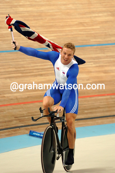 CHRIS HOY WITH HIS GOLD MEDAL AFTER THE 2004 OLYMPIC GAMES 1-KILO TT