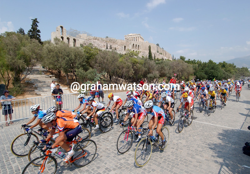 The womens peloton passes beneath the Acropolis in the 2004 Olympic Games road race