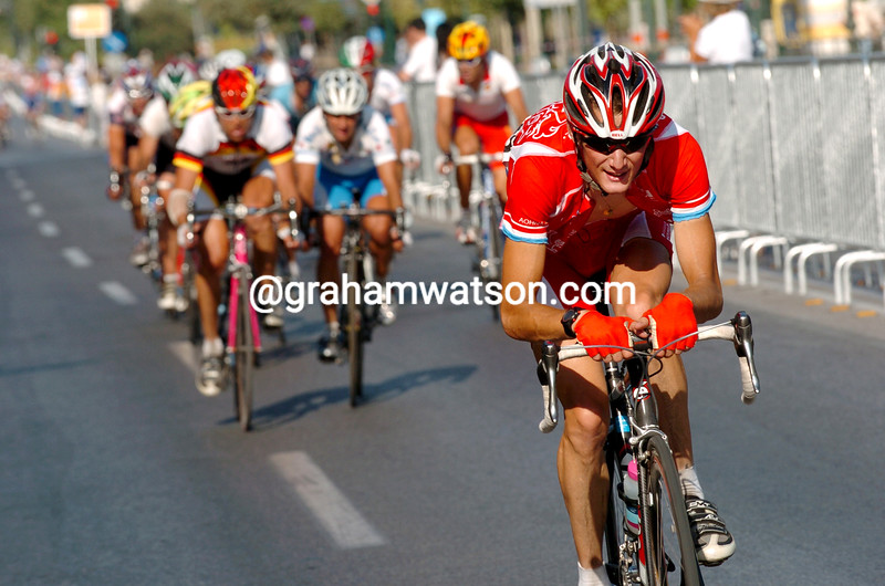 Frank Sch;eck escapes in the 2004 Olympic Games road race
