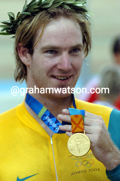 Ryan Bayley wins the gold medal in the 2004 Olympic Games Mens Sprint