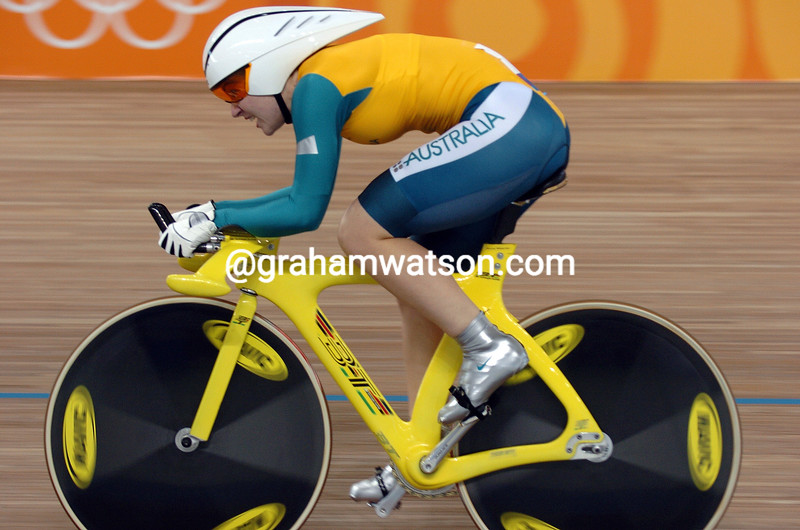 Anna Meares winning the womens 500-metre TT at the 2004 Olympic Games