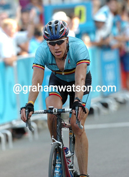 Axel Merckx takes the bronze medal in the 2004 Olympic Games road race